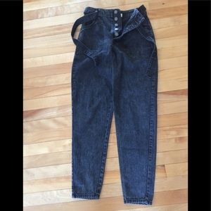 NWOT Forever 21 Black Mom Jeans 5 Button with Belt